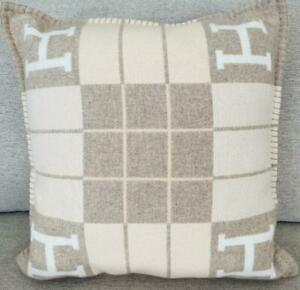 Hermes Pillow Avalon III Coco Camomille Beiges Ecru Wool Cashmere Blend
