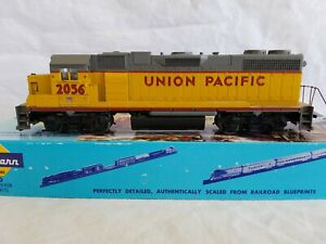 ATHEARN HO BLUE BOX UNION PACIFIC GP38-2 No. 2056 POWERED - NEEDS NEW H/R's
