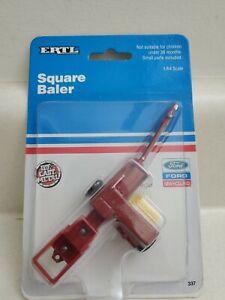 New Holland Square Baler 1/64 ERTL