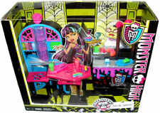 Monster High Doll Social Spots Creepateria Playset + Accessories new