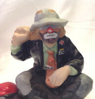 FLAMBRO EMMETT KELLY JR CLOWN PORCELAIN FIGURINE SITTING WITH DOG IN RED HAT EC