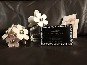 Marc Jacobs DAISY Eau de Toilette 50ml Spare Lid And Daisy Samples