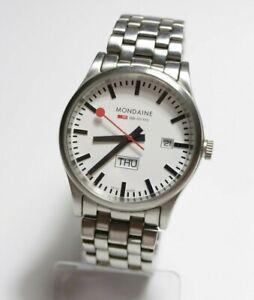 Mondaine 30308 Day-Date Official Swiss Railway Watch Herren Armbanduhr HAU Quarz