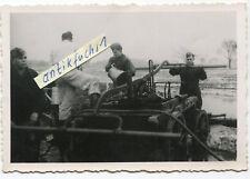 Foto : Pumpenwagen-Anhänger / Lafette in Flak-Stellung 217 der Luftwaffe 2.WK
