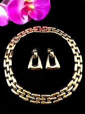 GORGEOUS GLOSSY GOLD-TONE FINISH COLLAR NECKLACE PIERCED DANGLE EARRINGS SET