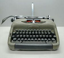 Voss Typewriter with Decimal Tabulator - 1950s Office typewriter