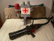 Team Fortress 2 Medigun 1:1 and uber knapsack prop TF2 cosplay comic con