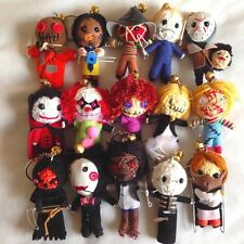 10 x selezione casuale di Horror Movie VOODOO STRING DOLL KEYCHAIN PORTACHIAVI LUCKY