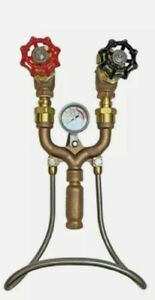 STRAHMAN M-159G HOT AND COLD WATER MIXING UNIT. GLOBE VALVE GAUGE INCLUDED