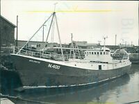 "1986 Fleetwood Atlantis ships Trawlers 8*6"" press photo"