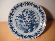 Assiette ancienne faience Pays Bas Delft 18 siècle gout Chine plante fleur