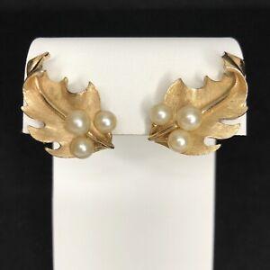 Crown Trifari Leaf Earrings Faux Pearls Gold Tone Vtg Clip On