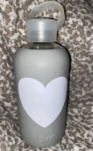 ❤️ bkr Glass Water Bottle Gray & White Heart Silicone Sleeve