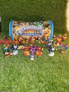 Skylanders Giants Wii game,  Bag And 12 X Figurines /xbox / Playstation / Toys