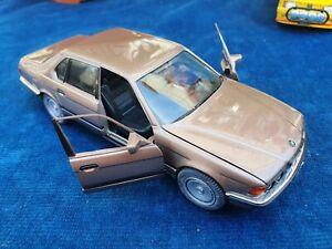 JOUET VOITURE SCHABAK 1/24 BMW 750iL