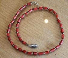 très joli collier en corail