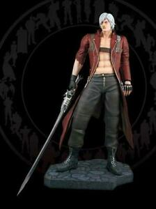 1:4 SCALE DANTE STATUE BY HCG, DEVIL MAY CRY BRAND NEW, SOLD OUT LOW EDITION #9!