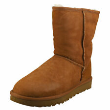 UGG Classic Short 2 Womens Chestnut Suede Classic Boots