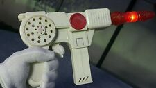 VINTAGE GUN RAY PISTOL SPACE TOY ASTRONAUT SOUNDS LIGHTS UP 70s BATTERY OPERATED