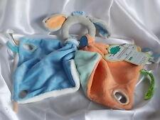 Doudou chien à poignée, bleu et orange, Doudou et compagnie (cie)