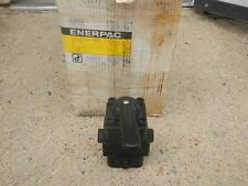 ENERPAC VC-4L HYDRAULIC 4 WAY MANUAL DIRECTIONAL CONTROL VALVE LOCKING NIB