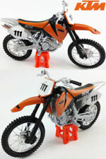 Motocicleta de automodelismo y aeromodelismo color principal negro de escala 1:18
