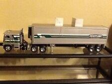 Franklin Mint 1:32  Freightliner cab over with reefer trailer