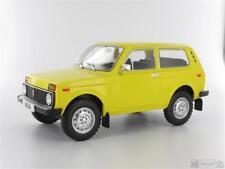 Model Car Group MCG18001 Lada Niva, dunkelgelb, ohne Vitrine, 1976  Massstab 1:1