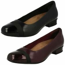 Zapatos planos de mujer rosa Clarks