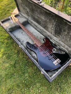 Fenix 1989 Jazz Bass & Hard Case.