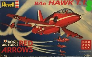 BAE HAWK T1 RED ARROWS DISPLAY TEAM + DECALS FOR 30th ANNIVERSARY SCHEME 1/32