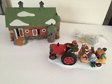 Dept 56 Pennsylvania Dutch Barn 5648-0 Caroling at the Farm 5463-1 Nl