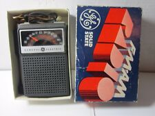VINTAGE FM AM RADIO SOLID STATE ORIGINAL BOX GE WORKS