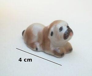 miniature d'un chien,pour maison poupée, vitrine, dog, animal porcelaine **S12