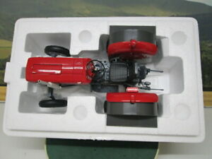 UNIVERSAL HOBBIES. Massey Ferguson 135 Without Cabin.  Red. 1:16. UH2698