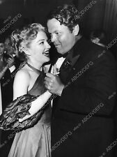 8b20-4173 candid Anne Baxter out dancing with Orson Welles 8b20-4174