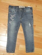 NWT - GUESS dark blue denim jeggings w/floral embroidery - 2T girls