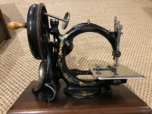 Antique Willcox and Gibbs Hand Crank sewing machine