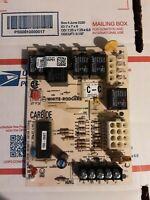 Trane White Rogers Circuit Board  D341235P01  CNT 2891 Box 126