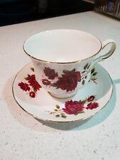 Vintage QUEEN ANNE England Tea Cup & Saucer  Set Duo f57