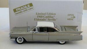 Danbury Mint 1:24 1960 CADILLAC ELDORADO SEVILLE -  Limited Ed - Box & Papers