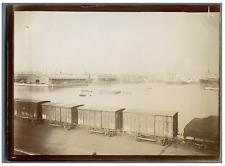 France, Marseille, train de marchandise dans le Port de Marseille  Vintage citra
