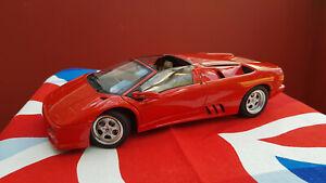 Rare AutoArt 1:18 Lamborghini Diablo Roadster with box. Near Mint. Pre-Owned.
