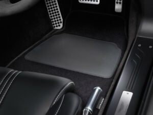 Aston Martin Overmats - New Vanquish - 705914 - RHD