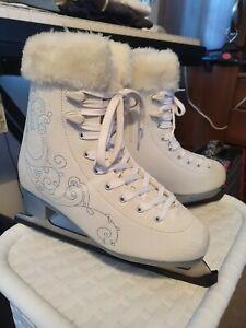 Ladies ice Skates Size 7