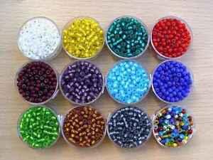Rocailles Glasperlen matt mit Silbereinzug 4,5mm Farbauswahl