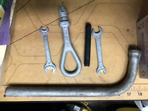 Audi TT Mk1 8n Quattro Vw Oem Tool Set Kit Wrench Screwdriver Lug Tow Hook