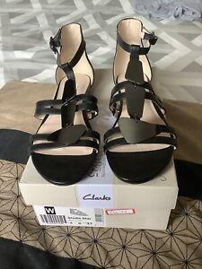 Ladies Clarks Black Leather Sandals Size 4