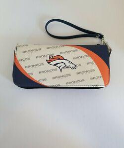 NFL Denver Broncos Womens Curved Zip Organizer Wallet  300902-BRNC NWT