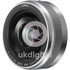 Panasonic Lumix G 14mm f/2.5 II Camera. Objektiv silber
